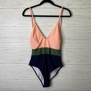 Cupshe NWT  color blocked one piece swimsuit